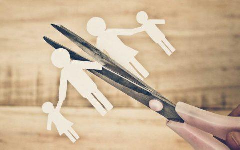 Cambio di religione, addebito e affidamento dei figli minori